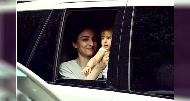 Soha Ali Khan takes daughter Inaaya on a drive, let her peep through the window for Paparazzi